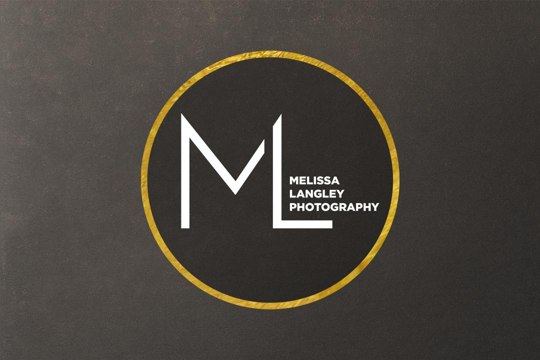 Professional-Fashion-Photographer-Based-In-Canada-Gold-Logo